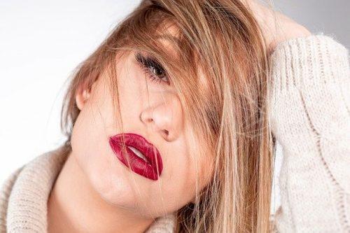 プロキオンの広告モデルは誰?セクシー女優?